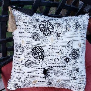 Accent Pillow 12x12